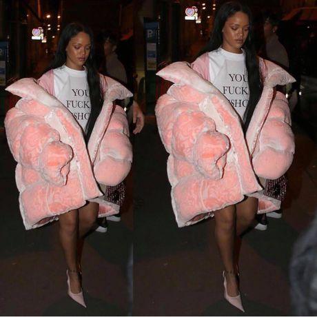 Hau chia tay ban trai, Rihanna ngay cang nong bong - Anh 5
