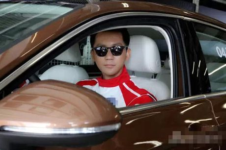 Choang gia the giau co cua ban trai Pham Bang Bang - Anh 4
