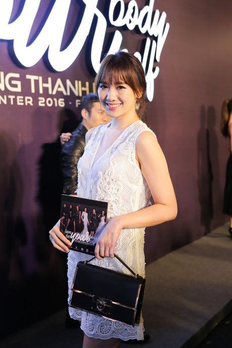 Angela Phuong Trinh be cun cung di xem thoi trang - Anh 5