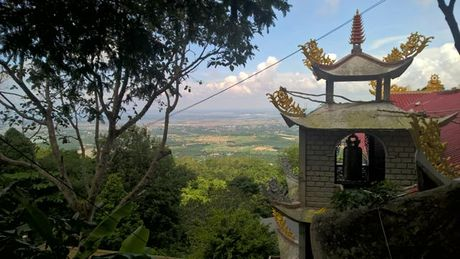 Trai nghiem chinh phuc nui Dinh Vung Tau, cam trai o san bay truc thang - Anh 2