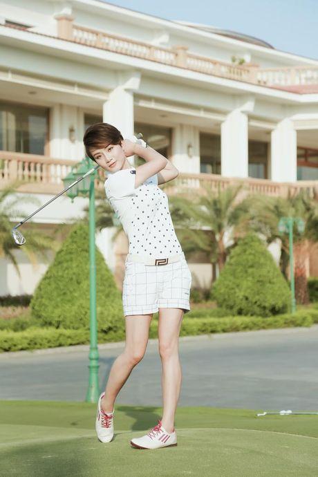 Choang voi so thich choi golf ton kem cua nu MC dai VTV - Anh 2