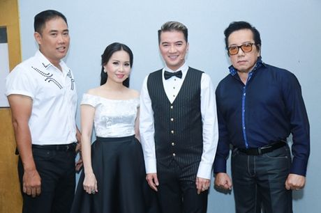 Mr. Dam kheo leo trang diem cho chong Cam Ly - Anh 10