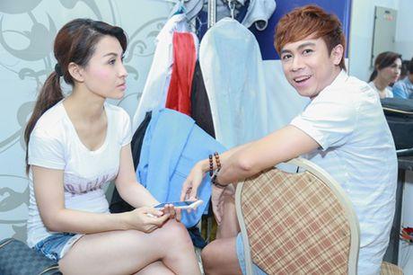 Mr. Dam kheo leo trang diem cho chong Cam Ly - Anh 15