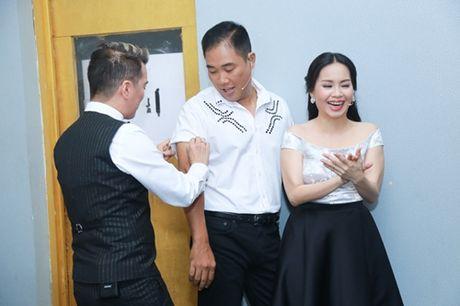 Mr. Dam kheo leo trang diem cho chong Cam Ly - Anh 4