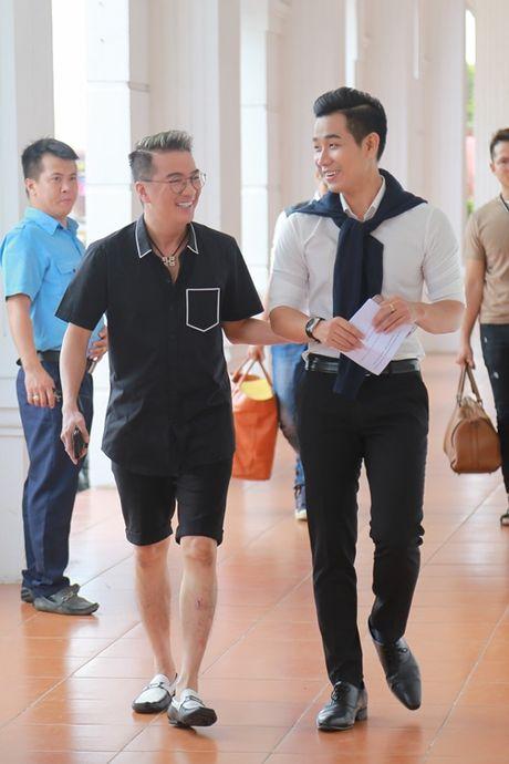 Mr. Dam kheo leo trang diem cho chong Cam Ly - Anh 5