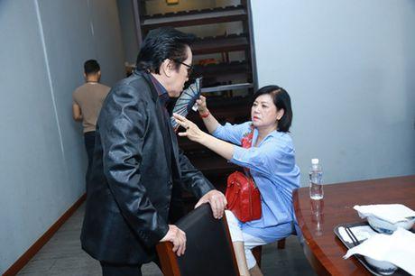 Mr. Dam kheo leo trang diem cho chong Cam Ly - Anh 8