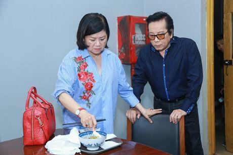 Mr. Dam kheo leo trang diem cho chong Cam Ly - Anh 9
