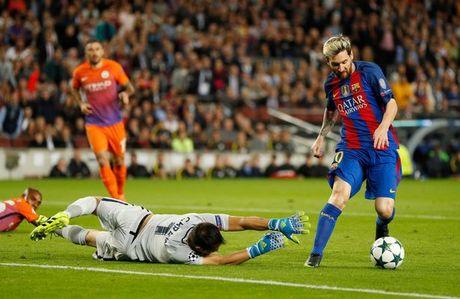 5 diem nhan sau tran Barcelona - Manchester City: Messi bung no, Bravo mac sai lam dien ro - Anh 2