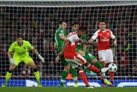 5 diem nhan sau tran Arsenal - Ludogorets: Oezil lap hat-trick, Phao thu thang dam - Anh 3