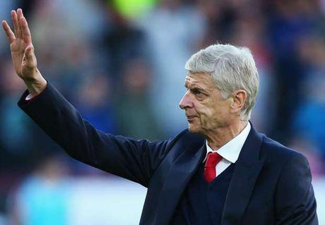 Arsenal thang dam, Arsene Wenger dat cot moc khung - Anh 1