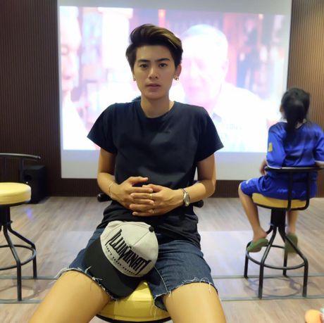 Danh tinh nu sinh Thai o DH Vinh bi nghi chuyen gioi - Anh 4