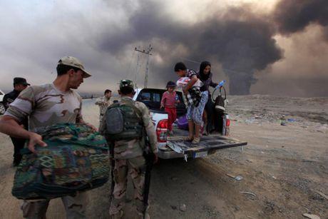Thuong dan Iraq lu luot chay khoi thanh pho Mosul - Anh 4