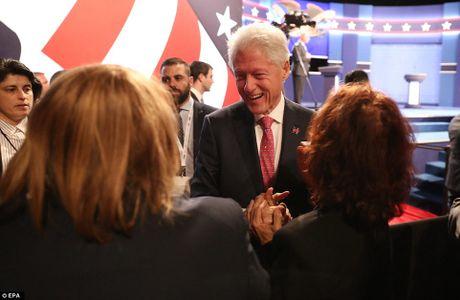 'Ke khoc, nguoi cuoi' sau cuoc tranh luan Clinton-Trump vong 3 - Anh 8