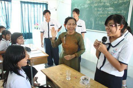 Doi moi phuong phap giang day Lich su, Giao duc cong dan - Anh 1