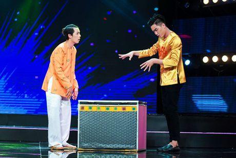 """Dinh Toan """"te ngua"""" voi nhan sac that cua ban than Dai Nghia - Anh 2"""