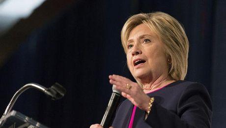 CNN: 52% nguoi theo doi cho rang Hillary Clinton thang cuoc tranh luan - Anh 1
