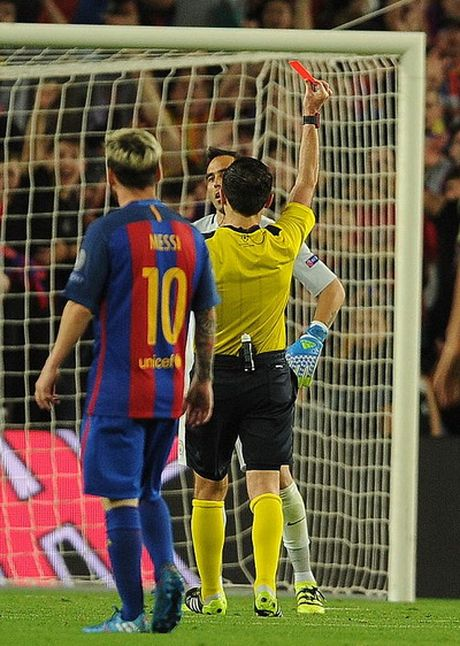 Messi dai pha Man City, gieo sau cho Guardiola - Anh 5