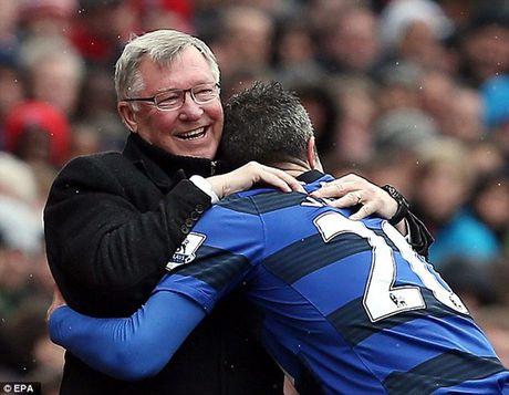 "Van Persie ""da deu"" Mourinho ngay tro lai M.U - Anh 2"