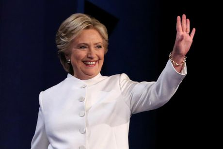 Clinton goi Trump la 'con roi' cua Putin trong tranh luan cuoi cung - Anh 6