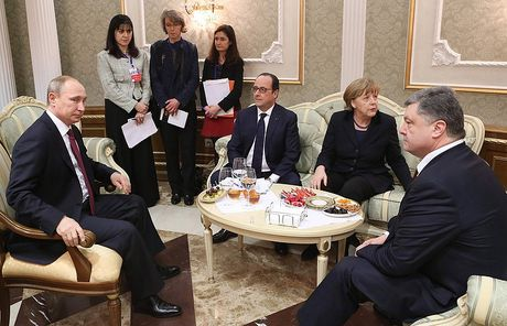 Duc, Nga, Phap va Ukraina dam phan ve hiep uoc Minsk va xung dot Syria - Anh 1