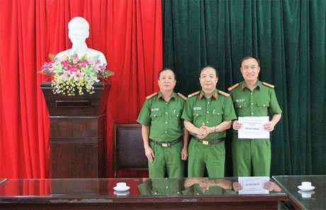 UBND tinh Thai Nguyen khen thuong Cong an huyen Dai Tu - Anh 1