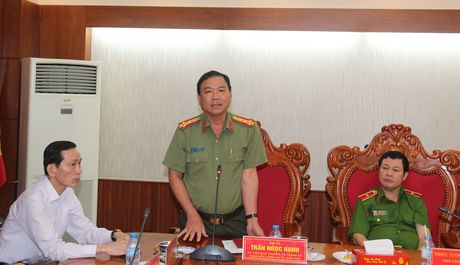 Thu truong Pham Dung lam viec voi Cong an va Canh sat PCCC TP Can Tho - Anh 4