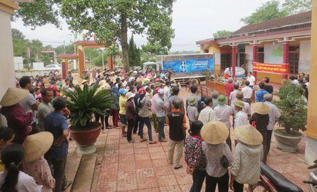 340 trieu dong den voi dong bao vung lu Ha Tinh - Anh 8