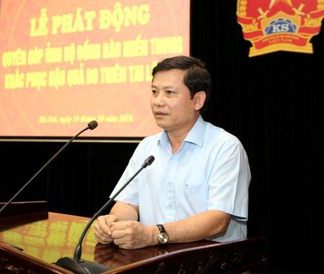 VKSNDTC quyen gop ung ho dong bao mien Trung do thien tai lu lut - Anh 1
