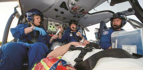 Truc thang EC130 T2 cua Airbus: Ngua tho nganh du lich, y te - Anh 3
