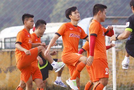 Thay tro Huu Thang tap chong vanh truoc tran gap CLB hang dau Han Quoc - Anh 1