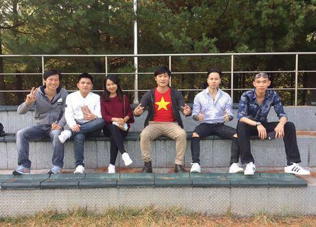Van Quyet lap cu dup, DT Viet Nam thang de tran dau o Han Quoc - Anh 3