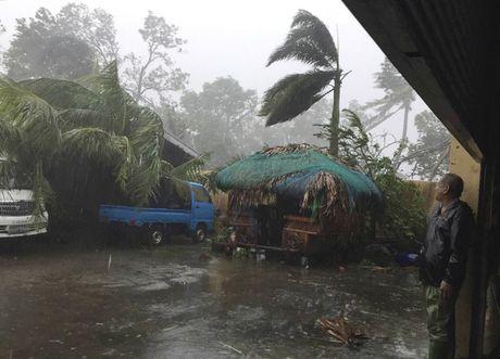 Sieu bao Haima manh gan bang bao Haiyan tan pha Philippines - Anh 2