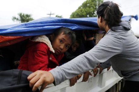 Sieu bao Haima manh gan bang bao Haiyan tan pha Philippines - Anh 3