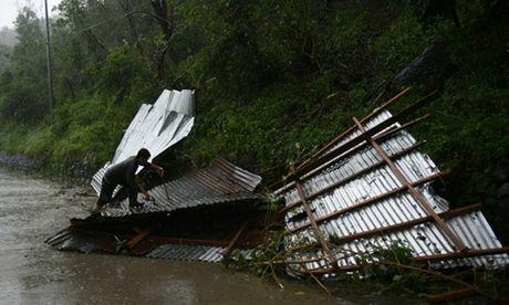 Sieu bao Haima manh gan bang bao Haiyan tan pha Philippines - Anh 5
