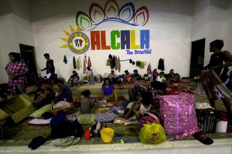 Sieu bao Haima manh gan bang bao Haiyan tan pha Philippines - Anh 6