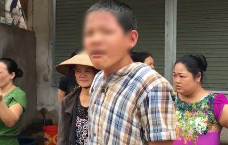 Cau be 13 tuoi lan dau lai o to gay tai nan dang so o Bac Giang - Anh 4