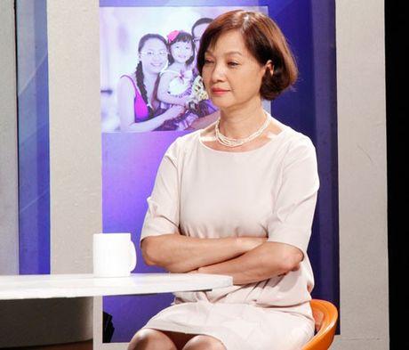NSND Le Khanh ke chuyen bi mat 'san bat tinh yeu' voi dao dien Pham Viet Thanh - Anh 4