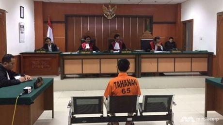 Indonesia bo tu mot ke che bom am muu tan cong khung bo - Anh 1