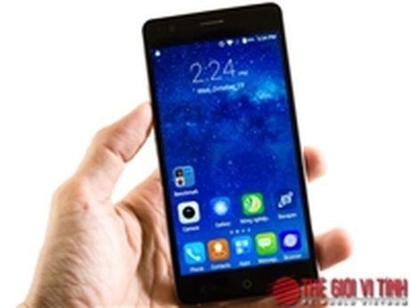 Can canh smartphone Bavapen B525 gia duoi 2 trieu dong - Anh 1