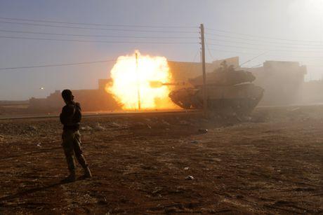 Chien su Syria: Nga bi nghi 'giang bay' va chuan bi san phang Aleppo - Anh 2