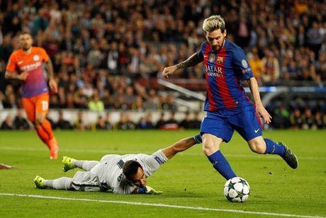 Barca-Man City 4-0: Su khac biet cua Messi - Anh 1