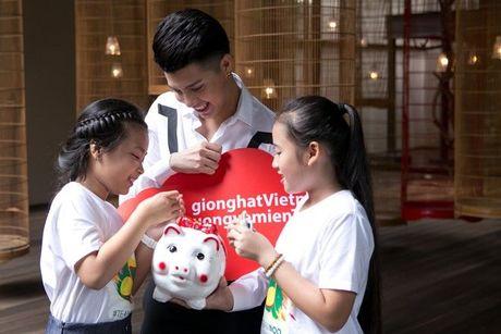 Thang - Nhi, Noo Phuoc Thinh, Vu Cat Tuong chung tay cung hoc tro 'Thuong ve mien Trung' - Anh 2