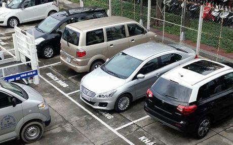 Suzuki Ciaz xuat hien o Sai Gon du chua ra mat chinh thuc - Anh 1
