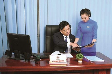 Pham Thanh Binh - 'Luat su cua cong chung' - Anh 1