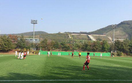 HLV Huu Thang thay ca doi hinh, DT Viet Nam thang de doi hinh 2 cua FC Seoul - Anh 3