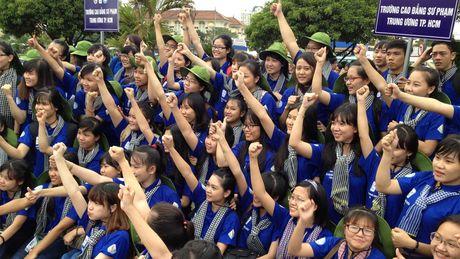 Tien si Tran Dang Tuan: Phan Anh la mot hien tuong tu thien dang mung! - Anh 4