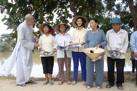 Nguoi Le Thuy am long hon boi tinh nguoi sau lu du - Anh 1