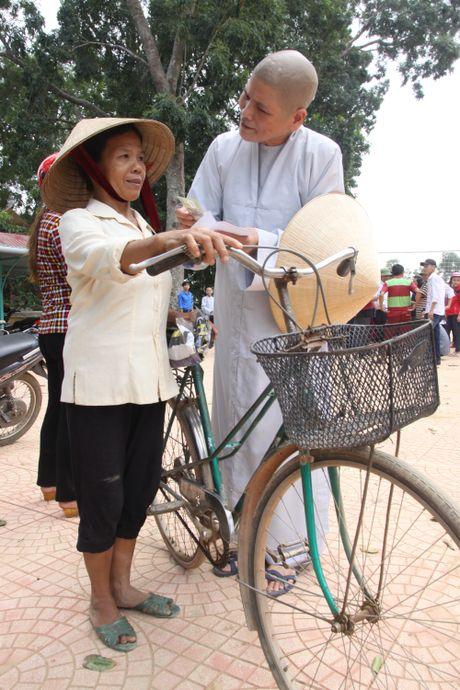 Nguoi Le Thuy am long hon boi tinh nguoi sau lu du - Anh 2