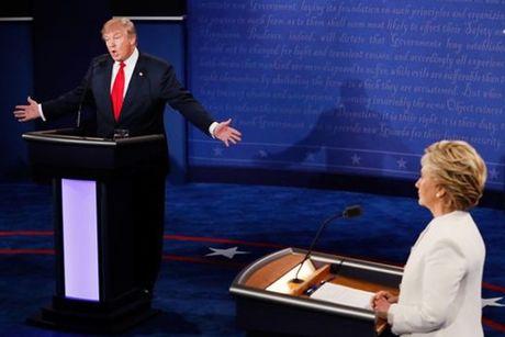 Cuoc tranh luan cuoi cung truoc tong tuyen cu giua Donald Trump va Hillary Clinton - Anh 1