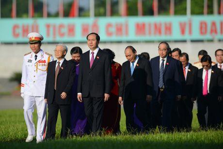 Doan dai bieu Quoc hoi vieng Chu tich Ho Chi Minh - Anh 5